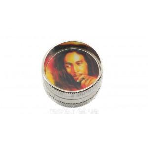 Гриндер из 2-х частей  Bob Marley. D- 3 см. H- 1,7 см.