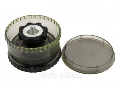 Гриндер из 3-х частей с колпаком. D- 5,8 см. H- 3,7 см.